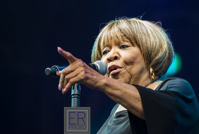 MAVIS-STAPLES-2